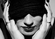 Vrouw met tulband stock afbeeldingen