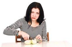 Vrouw met ui Stock Foto's