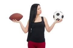 Vrouw met voetbal op wit wordt geïsoleerd dat Stock Foto
