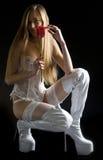 Vrouw met witte ligerie en laarzen Royalty-vrije Stock Afbeelding