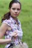 Vrouw met zak Stock Foto's