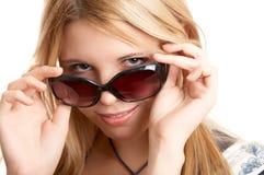 Vrouw met zonglazen stock afbeeldingen