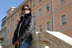 Vrouw met zonnebril Royalty-vrije Stock Foto's