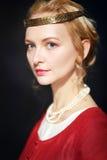 Vrouw in middeleeuwse kleding Stock Foto's