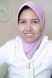 Vrouw in moslimkleding royalty-vrije stock foto