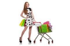 Vrouw na het winkelen in de geïsoleerde supermarkt Stock Afbeelding