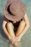 Vrouw in Oceaan Stock Afbeeldingen