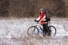 Vrouw op de fiets Royalty-vrije Stock Fotografie