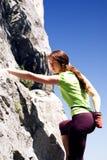 Vrouw op de rots Stock Foto