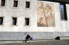 Vrouw op de straat in Luzern Royalty-vrije Stock Afbeelding