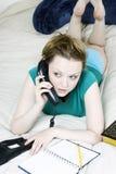 Vrouw op de telefoon Stock Afbeelding