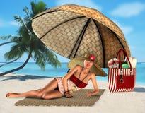 Vrouw op een tropisch strand onder paraplu Stock Afbeeldingen