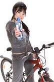 Vrouw op fiets Stock Foto