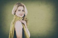 Vrouw op groen Royalty-vrije Stock Afbeelding