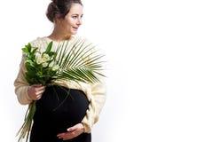 Vrouw op haar laatste zwangerschap stock afbeeldingen