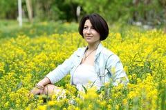 Vrouw op het gebied Stock Foto