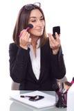 Vrouw op het samenstellingswerk stock foto's