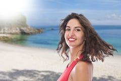 Vrouw op het strand stock foto's