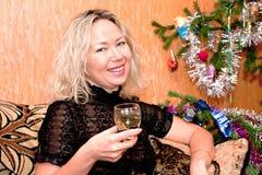 Vrouw op middelbare leeftijd met glas stock foto's