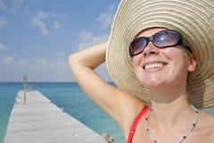 Vrouw op Pier Stock Foto's