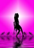 Vrouw op stoel Royalty-vrije Stock Afbeeldingen