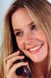 Vrouw op telefoon Stock Foto's