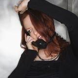 Vrouw op telefoon. Stock Afbeeldingen