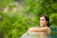 Vrouw in Pool royalty-vrije stock foto's