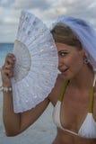 Vrouw portreit in bruidssluier Stock Afbeelding