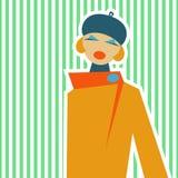 Vrouw in retro stijl van IES 60 op een lichtgroene achtergrond Stock Fotografie