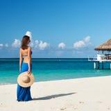 Vrouw bij strand royalty-vrije stock fotografie