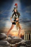 Vrouw in Roman Armor Stock Afbeelding