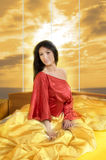 Vrouw in rood stock fotografie