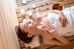 Vrouw in sauna Stock Fotografie