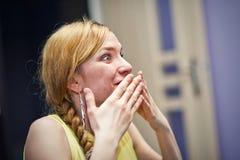 Vrouw in schock Stock Afbeelding