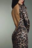 Vrouw in de kledings achtertorso van de avond dierlijk druk Royalty-vrije Stock Foto