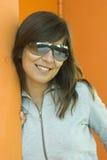 Vrouw in sinaasappel Royalty-vrije Stock Fotografie