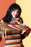Vrouw in sweaterkleding stock foto