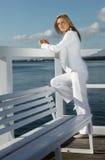 Vrouw tijdens een ochtendgang royalty-vrije stock afbeelding