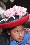 Vrouw in traditionele kleding Stock Foto