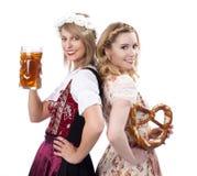 Vrouw twee met dirndl Royalty-vrije Stock Afbeeldingen