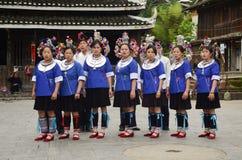 Vrouw van het minderheids de Chinese dorp royalty-vrije stock afbeeldingen