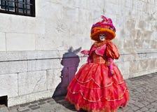 Vrouw in Venetiaans kostuum Royalty-vrije Stock Foto