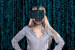 Vrouw in virtuele werkelijkheidshoofdtelefoon Royalty-vrije Stock Fotografie