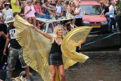 Vrouw in vlinderuitrusting, vrolijke de trotsparade van Amsterdam Royalty-vrije Stock Afbeelding