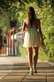 Vrouw walkink Royalty-vrije Stock Afbeeldingen