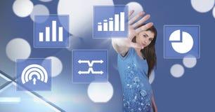 Vrouw wat betreft de pictogrammen van de bedrijfsgrafiekstatistiek Royalty-vrije Stock Foto's