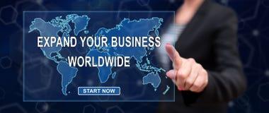 Vrouw wat betreft een bedrijfsontwikkelingsconcept wereldwijd stock afbeelding