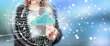 Vrouw wat betreft een wolk concept van het gegevensverwerkingssysteem royalty-vrije stock afbeelding