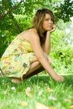 Vrouw in weide Royalty-vrije Stock Afbeelding